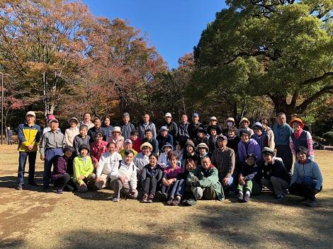 最前列右から4人が日本ウオーキング協会の指導員